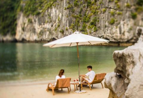 Tranquil Bai Tu Long Bay